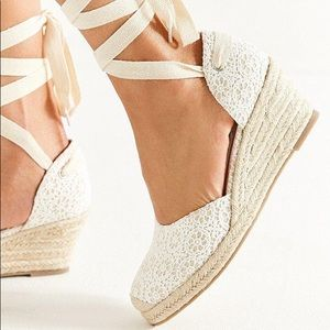 White lace Urban Outfitters Wedge Espadrilles
